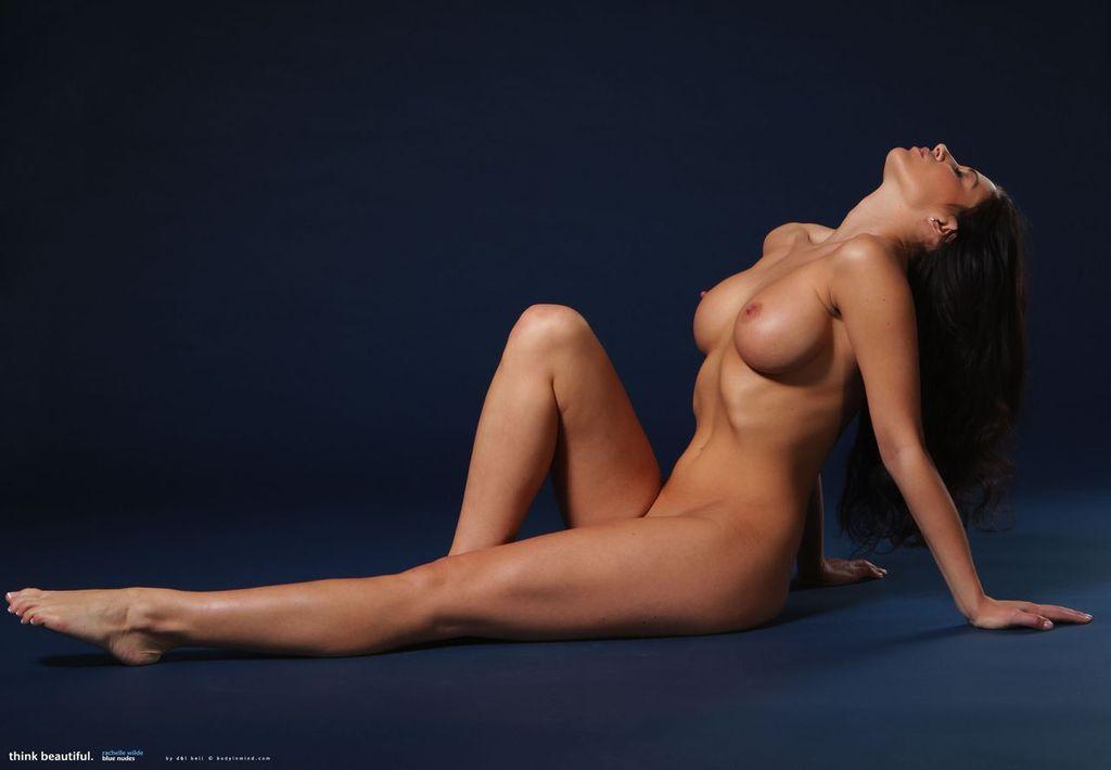 фото голые женские ноги