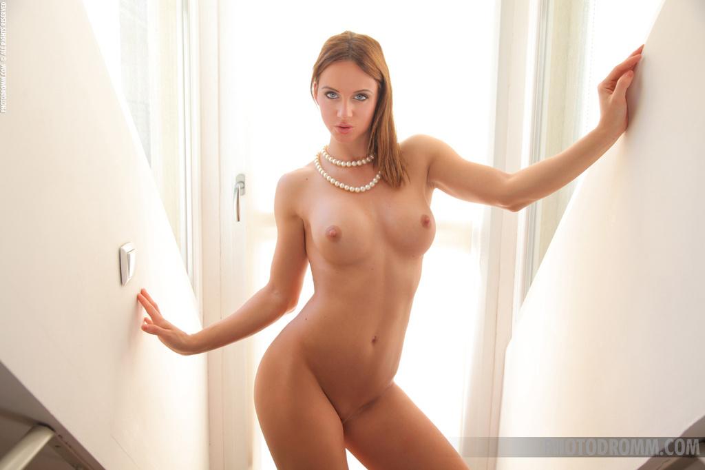 Фото голых сочных девушек